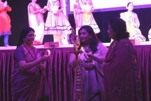 Lady Sandhya Popat, Bharulata Kamble & Niti Gheewala attend 8th Annual IWD at Neasden Temple